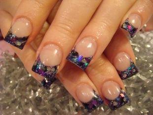Дизайн нарощенных ногтей, френч с разноцветными блестками