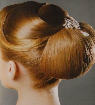 Объемные прически, гламурная свадебная прическа на средние волосы