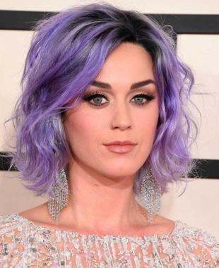 Стрижки и прически на средние волосы, модный сиреневый цвет волос