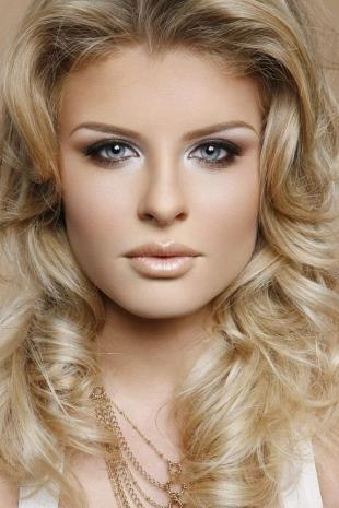 Свадебный макияж для блондинок с голубыми глазами, макияж серых глаз в коричневых тонах