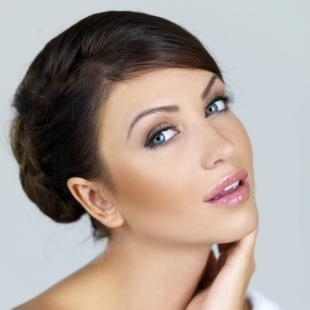 Макияж для брюнеток с серыми глазами, красивый макияж для подружки невесты