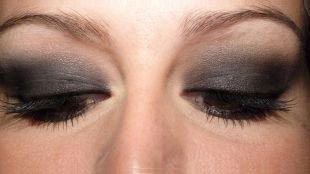 Макияж в серых тонах для серых глаз, вечерний вариант восточного макияжа
