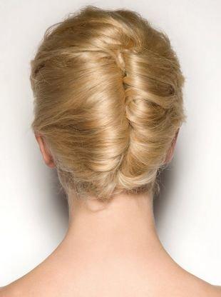 Праздничные прически на средние волосы, красивая прическа ракушка