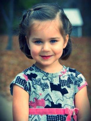 Модные прически для девочек, детская прическа на выпускной с косами