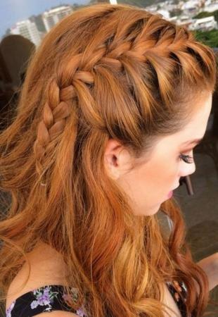 Коричнево рыжий цвет волос, повседневная прическа своими руками
