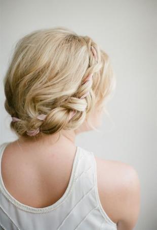 Прически с лентами, прическа коса-ободок с лентой