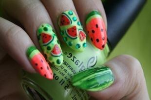 Маникюр с фруктами, летний маникюр с арбузами