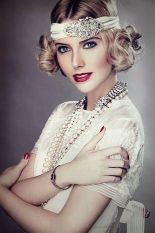 Яркий макияж, милый макияж в стиле чикаго 30-х годов