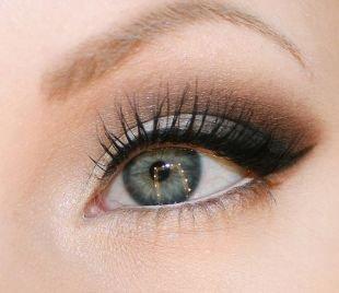 Свадебный макияж в серых тонах, макияж для серо-голубых глаз