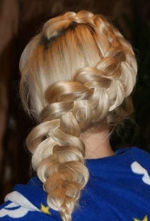 Прическа колосок на длинные волосы, прическа с плетением - перевернутая французская коса