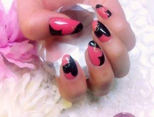 """Красные ногти с рисунком, розово-черный маникюр """"сердечки"""" на ногтях с блестками"""