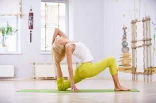 Йога для начинающих: 6 базовых асан для выполнения дома