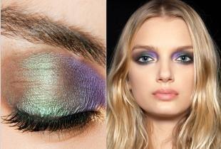 Яркий макияж для блондинок, подходящие цвета теней для серо-голубых глаз
