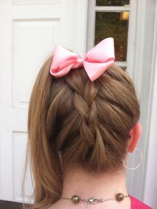 Русо рыжий цвет волос на длинные волосы, модная прическа в школу - конский хвост с обратной косой