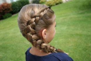 Прически в школу, детская прическа на выпускной на основе французской косы