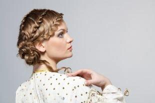 Прически с плетением на выпускной на длинные волосы, удивительная прическа с косой