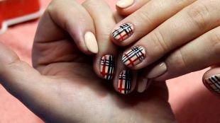 Рисунки с полосками на ногтях, рисунки на ногтях лаками в клетку