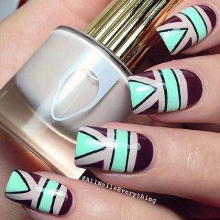 """Простейшие рисунки на ногтях, разноцветный маникюр """"геометрия"""""""