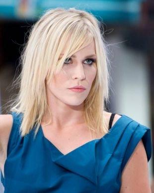 Цвет волос холодный блонд на средние волосы, стрижка тонких волос лесенкой