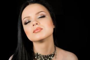 Свадебный макияж для серых глаз, макияж глаз с перламутровыми тенями