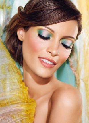 Вечерний макияж для серо-зеленых глаз, макияж глаз в холодных тонах