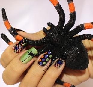 Рисунки паука на ногтях, маникюр с пауком и паутиной на хэллоуин