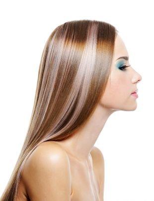 Причёски с распущенными волосами, прическа на последний звонок - идеально гладкие локоны