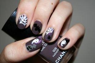 Рисунки паука на ногтях, маникюр с привидениями