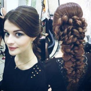 Холодно коричневый цвет волос, красивая прическа на выпускной