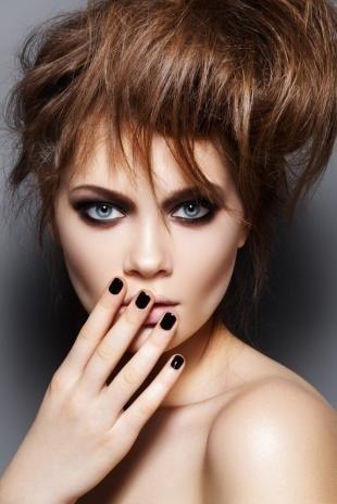 Темный макияж для шатенок, макияж в стиле гранж