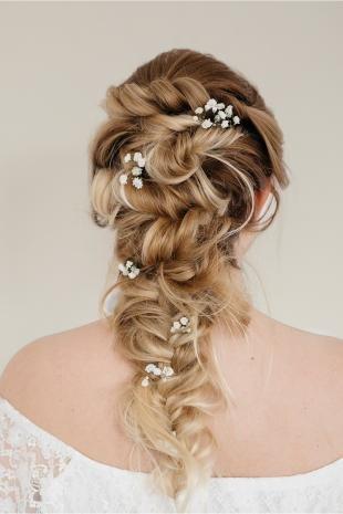 Свадебные прически с косой на длинные волосы, изящная прическа для подружки невесты