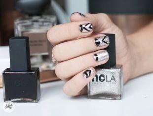 Простейшие рисунки на ногтях, серебристый маникюр на короткие ногти