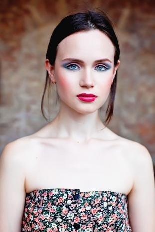 Авангардный макияж, летний макияж для голубых глаз