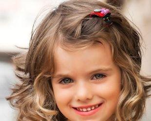 Прически с челкой на средние волосы, легкая детская прическа на выпускной