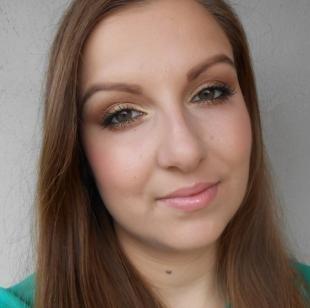 Макияж для зеленых глаз под зеленое платье, бронзовый макияж глаз