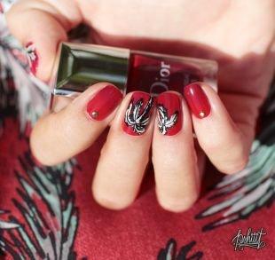 Рисунки на ногтях для начинающих, рисунок пальмы на красных ногтях