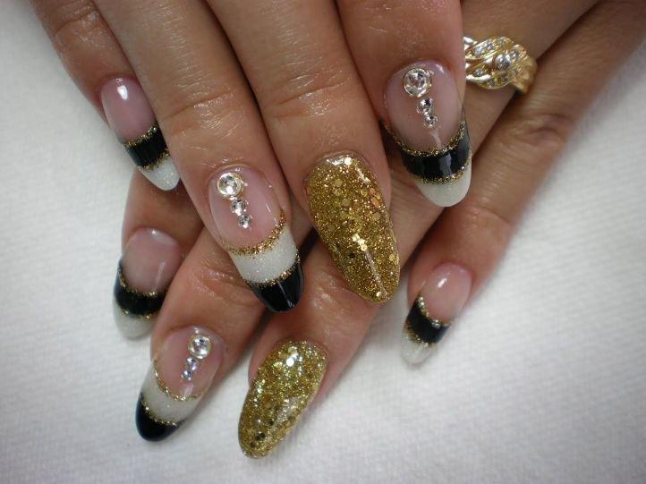 Фото на нарощенных квадратных ногтях